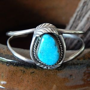 Vintage Navajo Turquoise Cuff - Sterling Silver